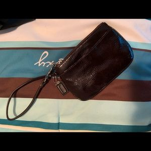 NWOT Never used Coach Wristlet 😍😍